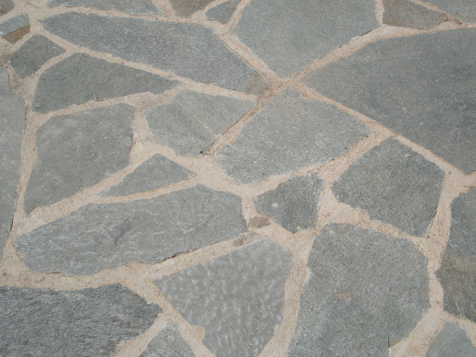 Polygonal Kavala plates