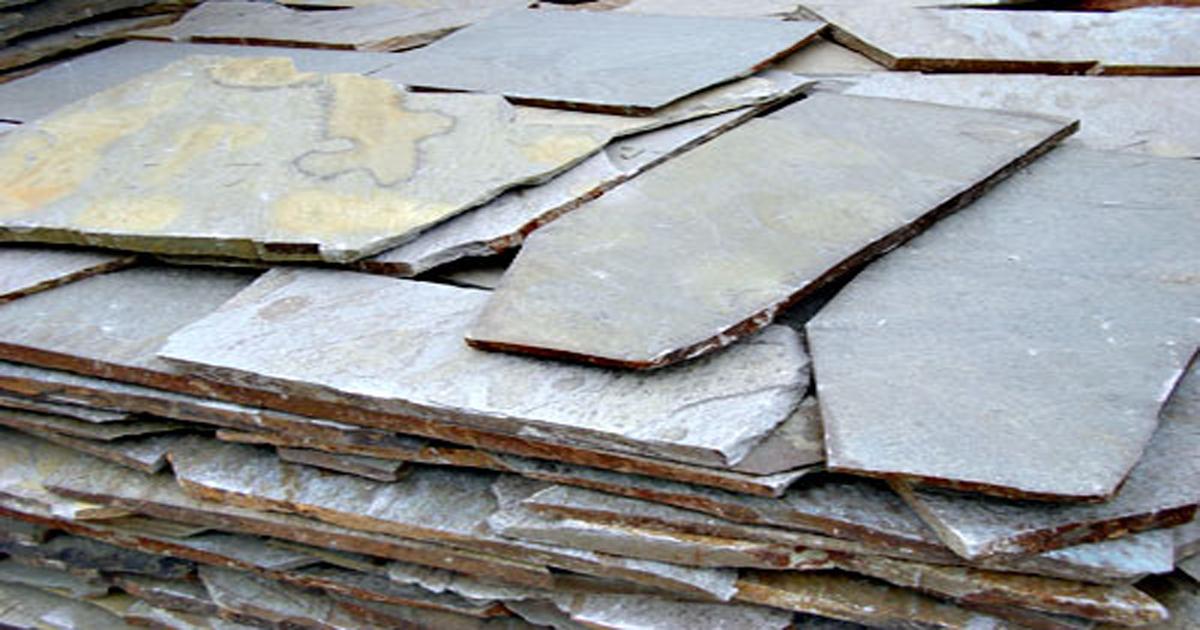 Thick Neochori polygonal plates